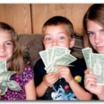 Study finds parents are terrible financial role models