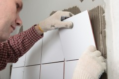 Learn to install your own tile for FREE at Home Depot! Via Shutterstock