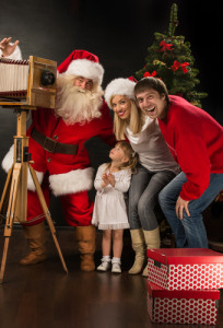 Score a free picture with Santa at Bass Pro Shop's Santa's Winter Wonderland Event! Via Shutterstock.