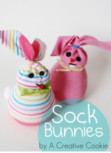 Simple sock bunnies. Via A Creative Corner.
