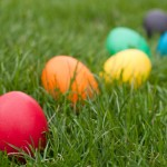 How to Dye Easter Eggs Naturally – Recipes!