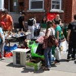 Dos and Don'ts to Make Money at a Yard Sale