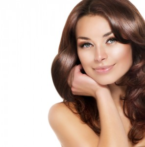 Make your hair shine with a FREE frizz-ease sample! Via Shutterstock.