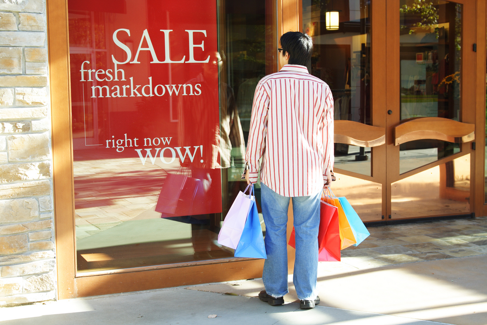 Tips for getting a good deal at outlet malls.