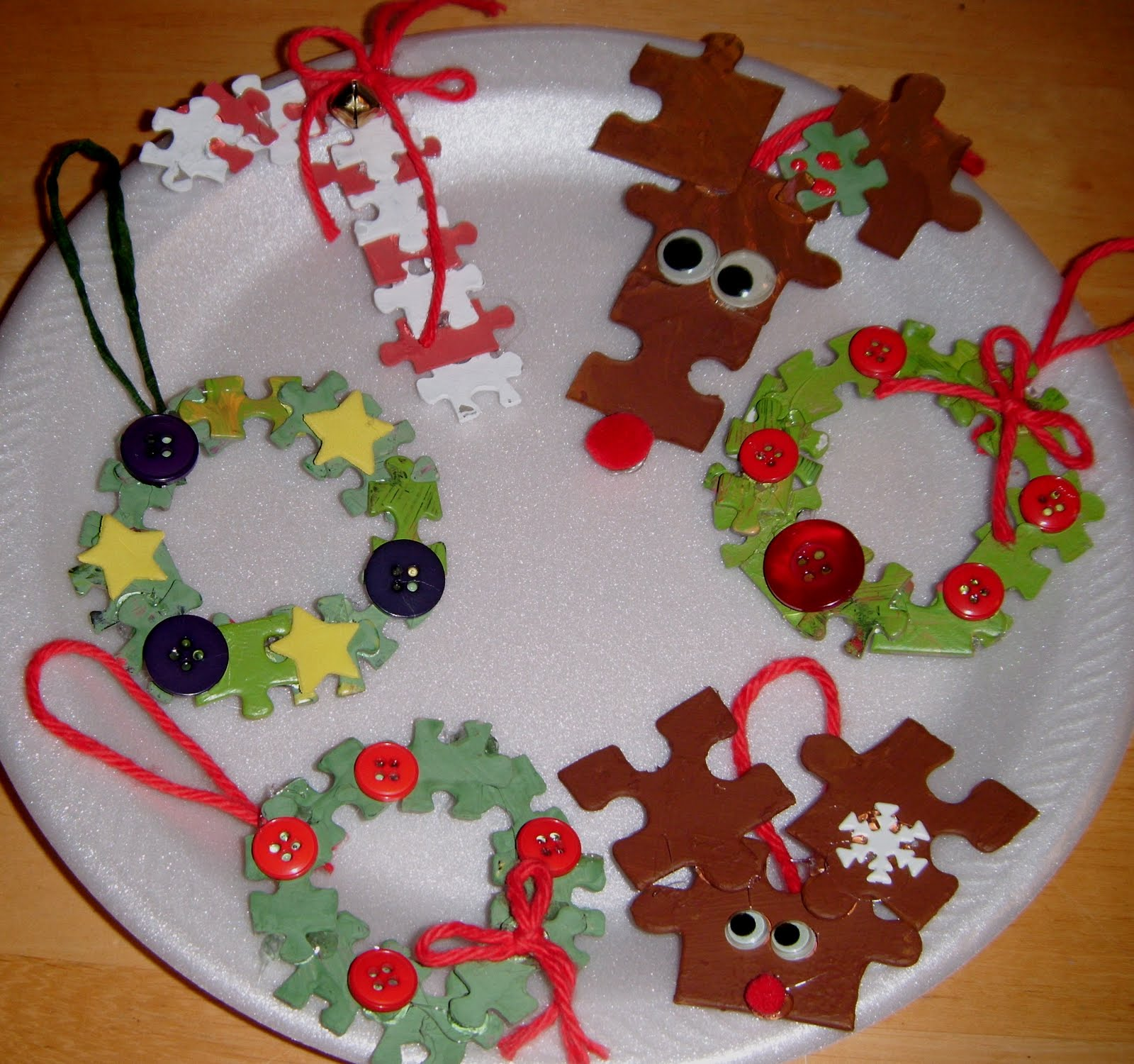 7 easy diy homemade christmas ornaments for kids puzzle piece ornaments