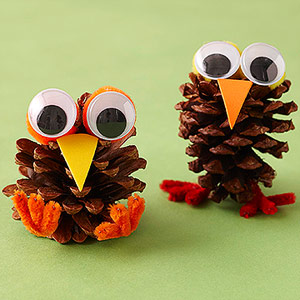 10 Thanksgiving Crafts for Kids Under $5!