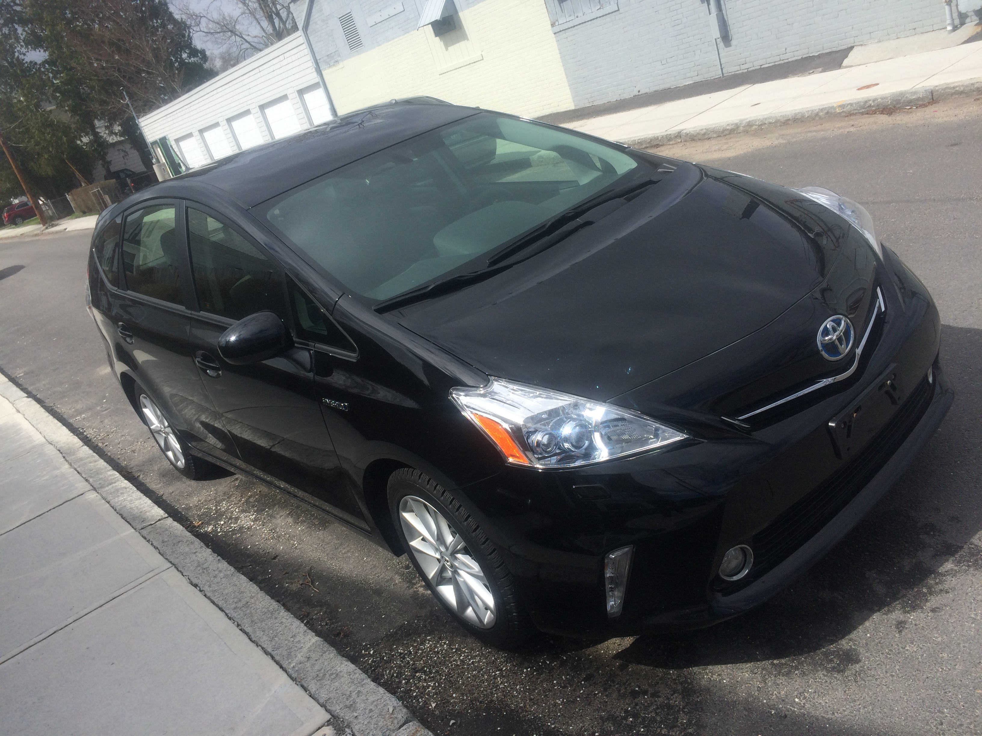 How I Paid $1,000 Under Kelley Blue Book For My New-to-Me Prius V