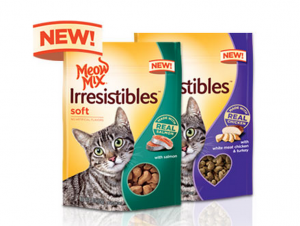 Snag FREE cat treats today!