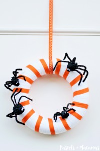 Spider family wreath by Pastels & Macarons