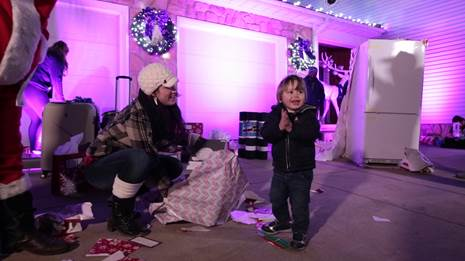 RetailMeNot Surprises PA Town with Christmas Gifts For Everyone
