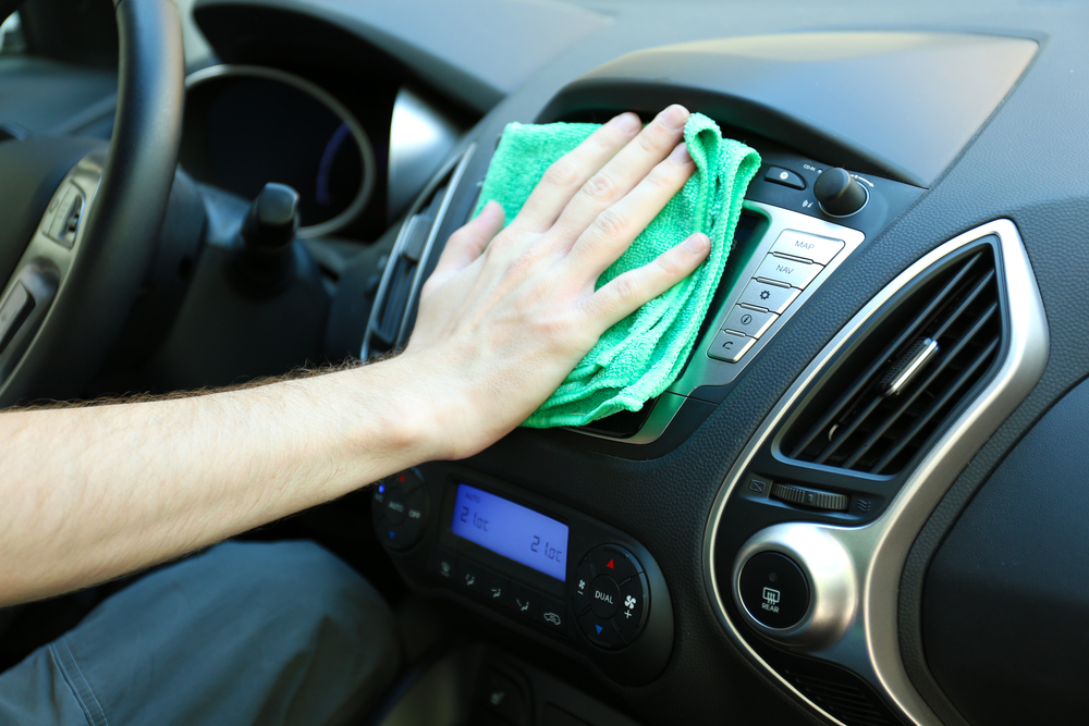 Five Minutes a Day: The Lazy Person's Guide to Keeping Your Car Clean