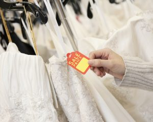 5 ways to save on wedding dress