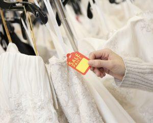 5 ways to save on wedding dress