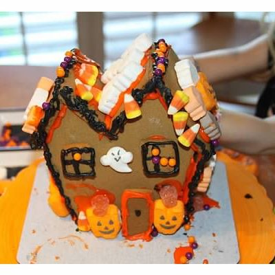 Halloween Haunted Gingerbread Houses and How to Make Them