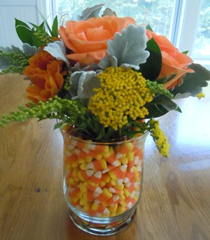 candy-corn-vase-halloween-centerpiece-1