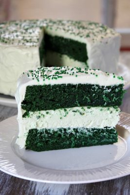 Green-Velvet-Cheesecake-Cake-5
