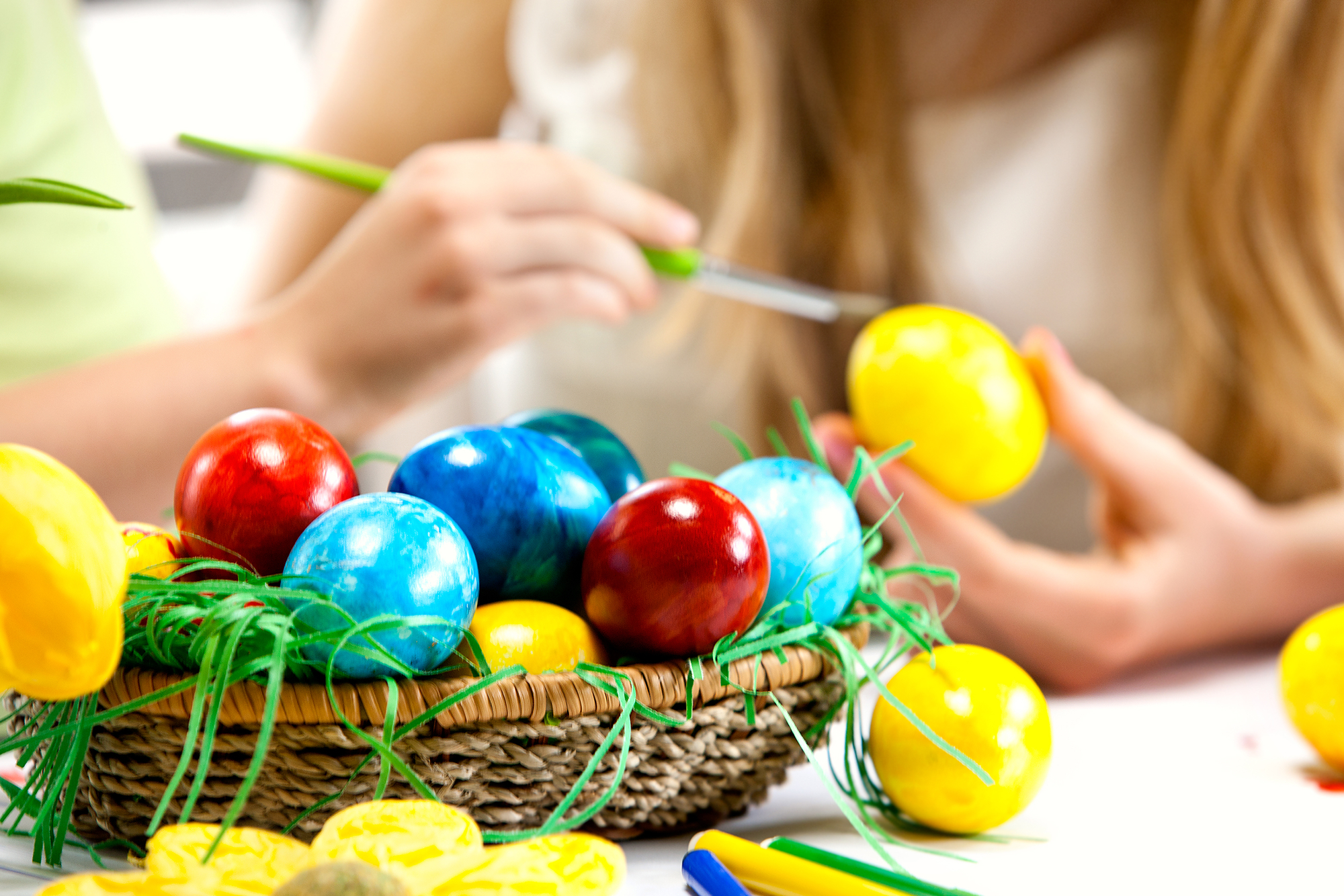 10 frugal cooking blogs that will keep your grocery bill under control cool blogs i learned about at blogher diy easter egg decorating ideas frugal fun or fail