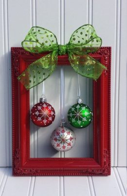 Bring in the holiday spirit with these cheap and easy (and pretty!) Dollar Tree decor ideas! No one will ever guess how little you spent!