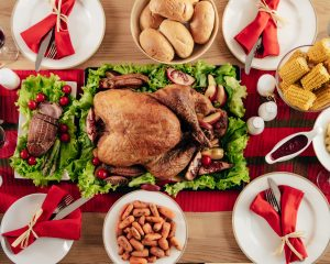 8 Tips for Saving Money on Thanksgiving Dinner (without Starving Your Guests!)