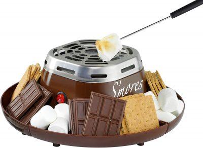 Nostalgia SMM200 Criador elétrico interno de aço inoxidável S'mores com 4 bandejas de compartimento para biscoitos Graham, chocolate, marshmallows e 2 garfos para assar, marrom US $ 19,99 2